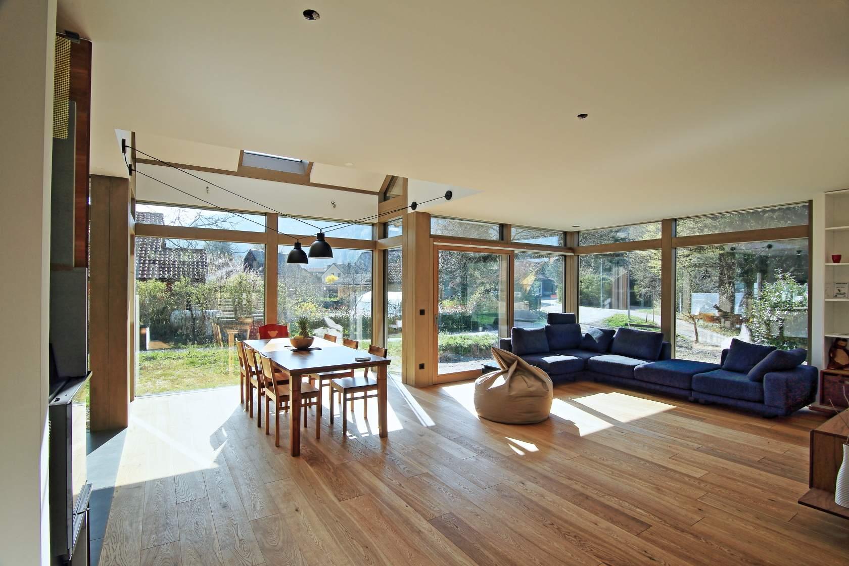 Fertighaus holz glas  Modernes Holz-Glas-Haus schont die Natur und Ihre Gesundheit