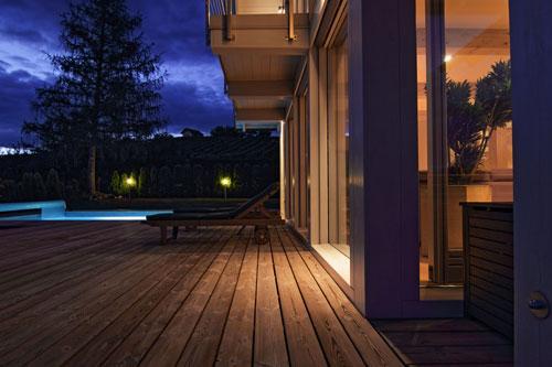ertighaus aus-Holz-und-Glas