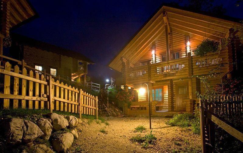ökologische holzhäuser und campingplätze