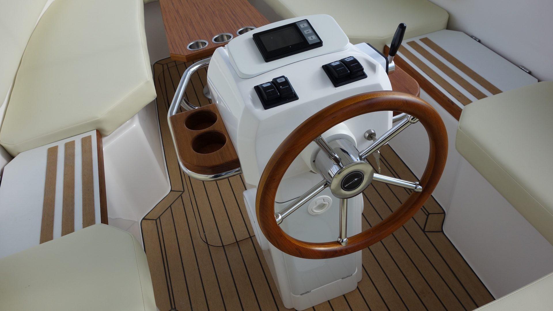 Holz elektroboote mit kajüte
